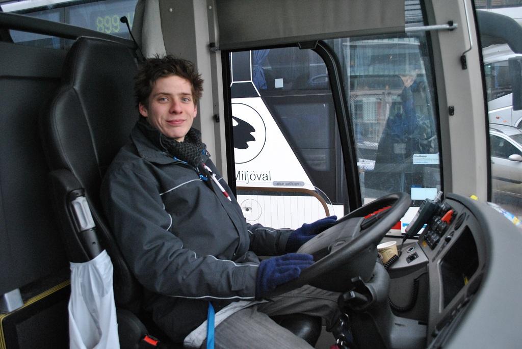 Tonnie bakom ratten i Västanhede Trafik